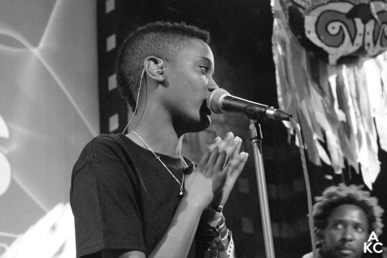 Syd serenading the crowd.